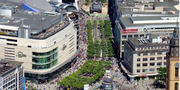 Einkaufsbummel auf der Frankfurter Zeil