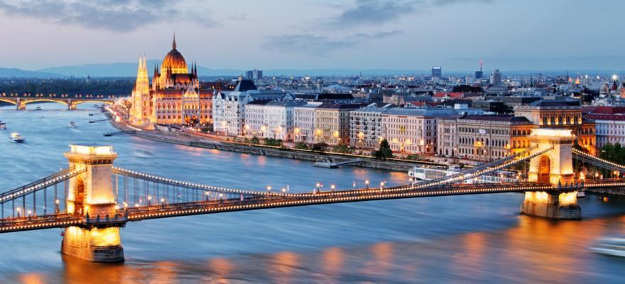 Brücke Stadt
