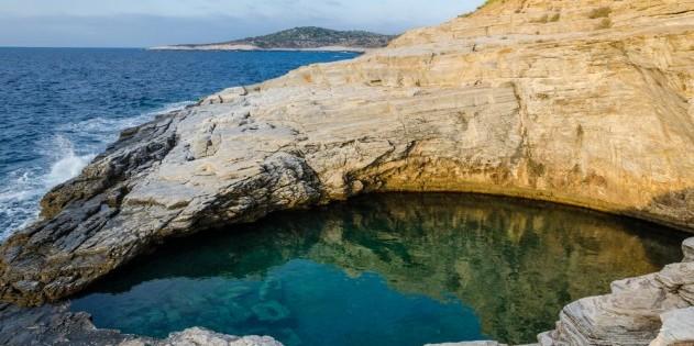 """Natur-Schwimmbad """"Giola"""" auf Thassos"""