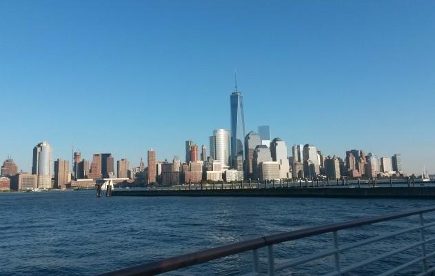 Ausblick auf Downtown Manhattan von Newport, New Jersey