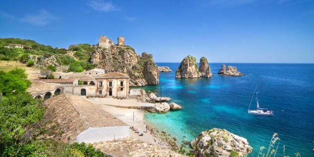 Felsige Bucht auf Sizilien