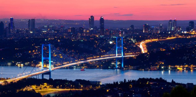Die Bosporus Brücke in Istanbul
