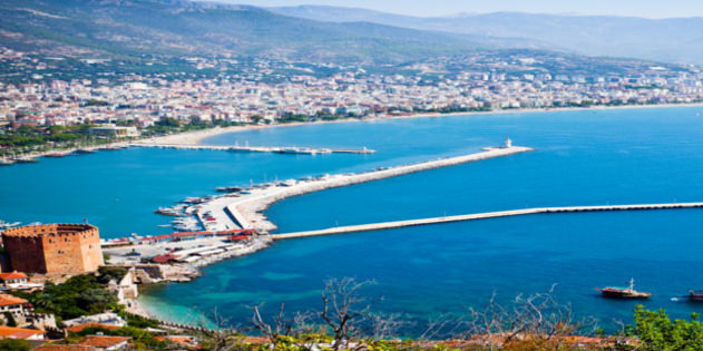 Hafen von Alanya Partymeile