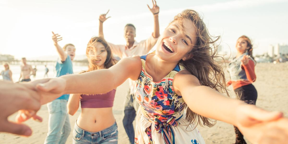Strandurlaub Teenager: Party am Meer