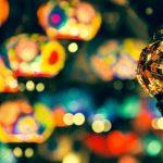 bunte Lampen in Marrakesch