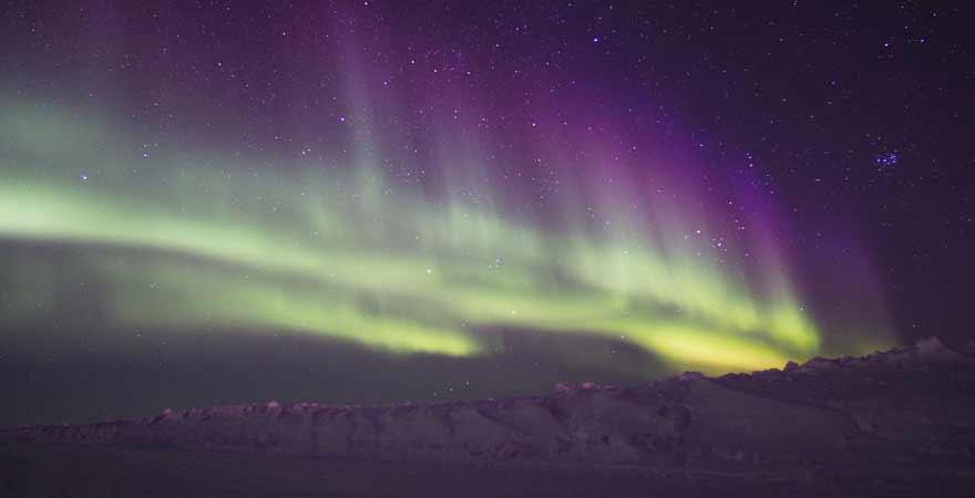 Nordlichter in Kanada bei Nacht