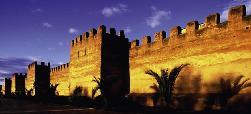 Mauer Palmen Sonnenuntergang