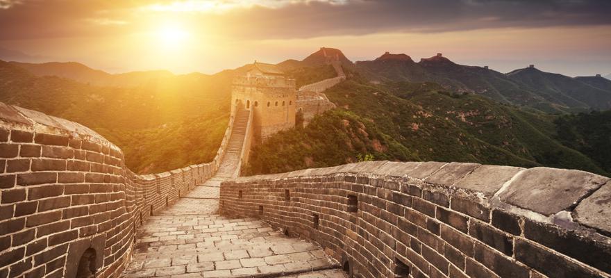 Mauer Sonnenaufgang