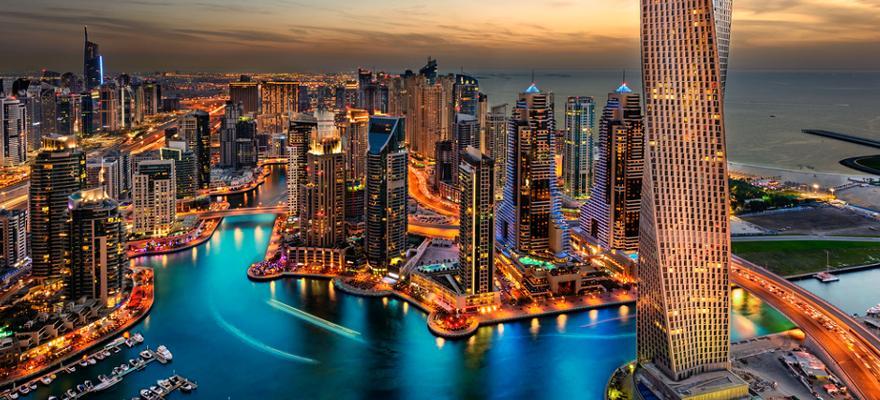 Skyline von Dubai in den VAE