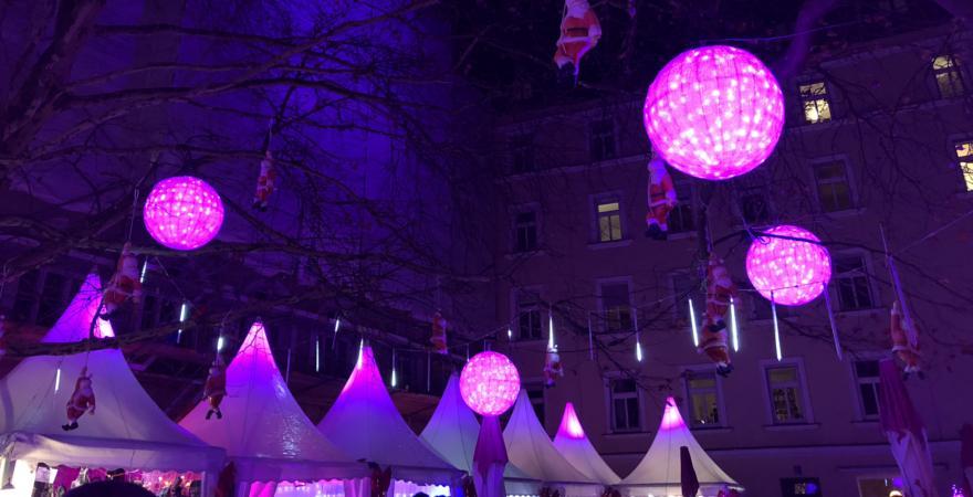 Pinker Weihnachtsmarkt.Der Weihnachtsmarkt Test Fur Munchen