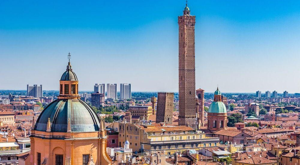 geschlechtertuerme von Bologna in Italien