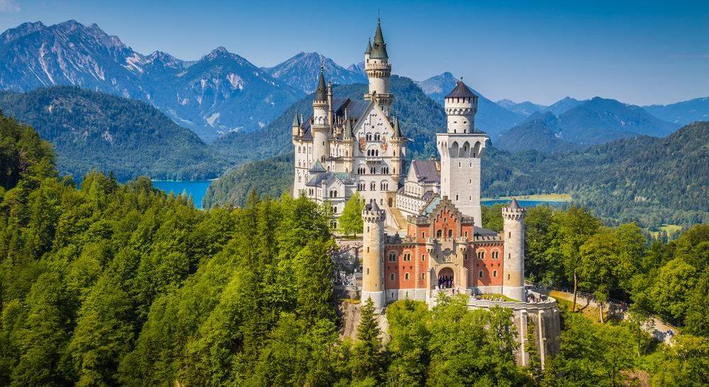 Schloss Neuschwanstein im Sommer in Deutschland