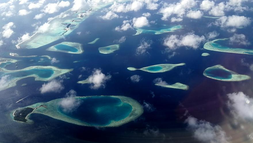 Viele Atolle auf den Malediven