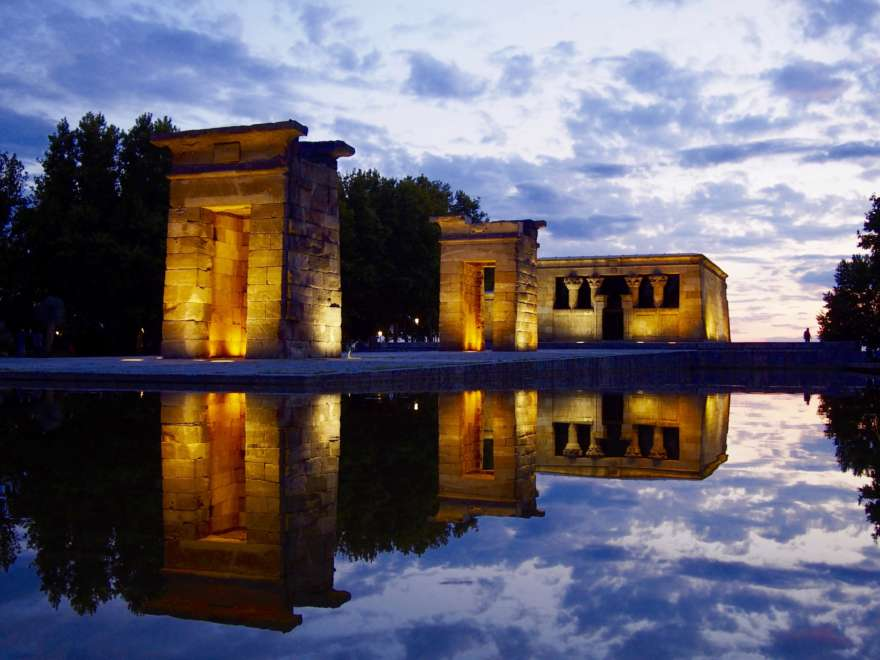 Tempel-von-Debod-Madrid