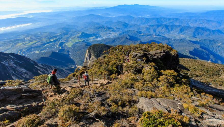 Höchster Klettersteig der Welt: Mount Kinabalu in Borneo, Malaysia