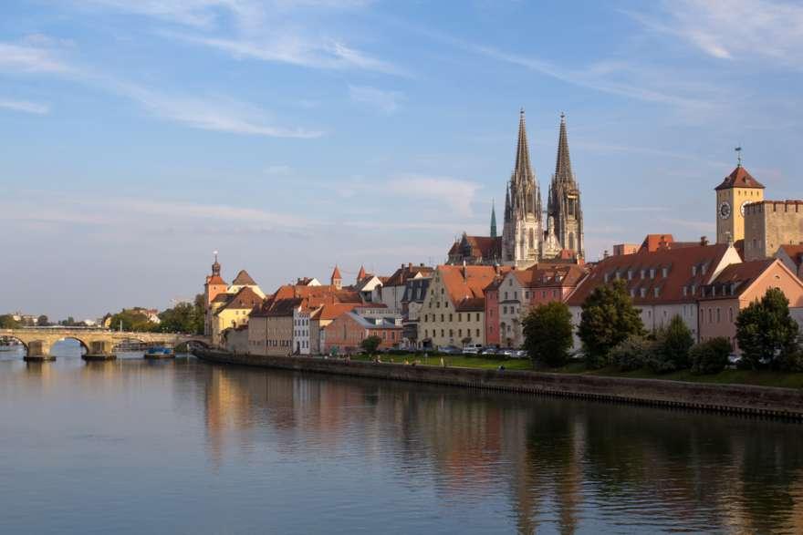 Regensburg in Deutschland mit Blick auf den Dom