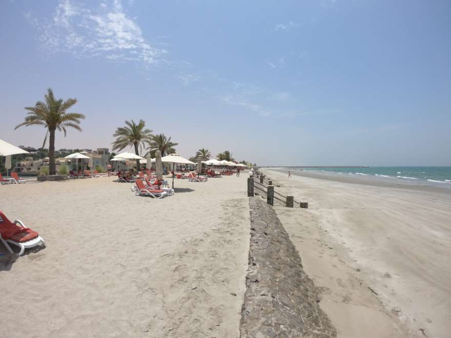 Strand von The Cove Rotana
