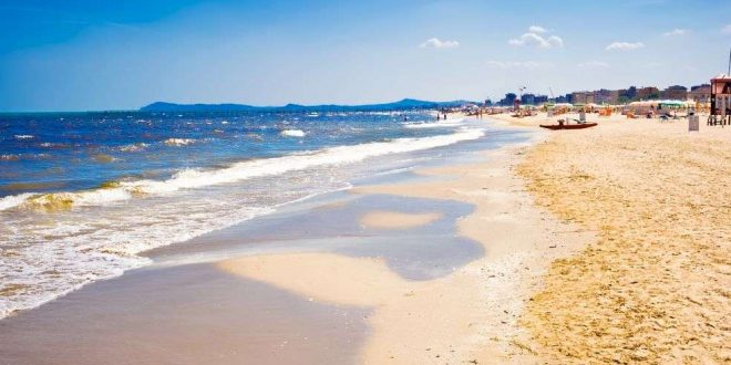 Sonne, Strand und Liegestuhl: Reisetipps für die italienische Adria