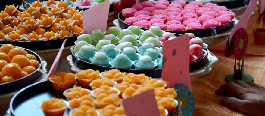 Thai Desserts auf Koh Kret in Thailand
