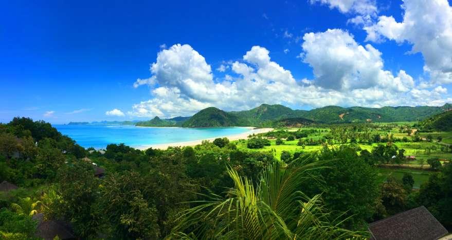 Dschungel und Strand auf Lombok