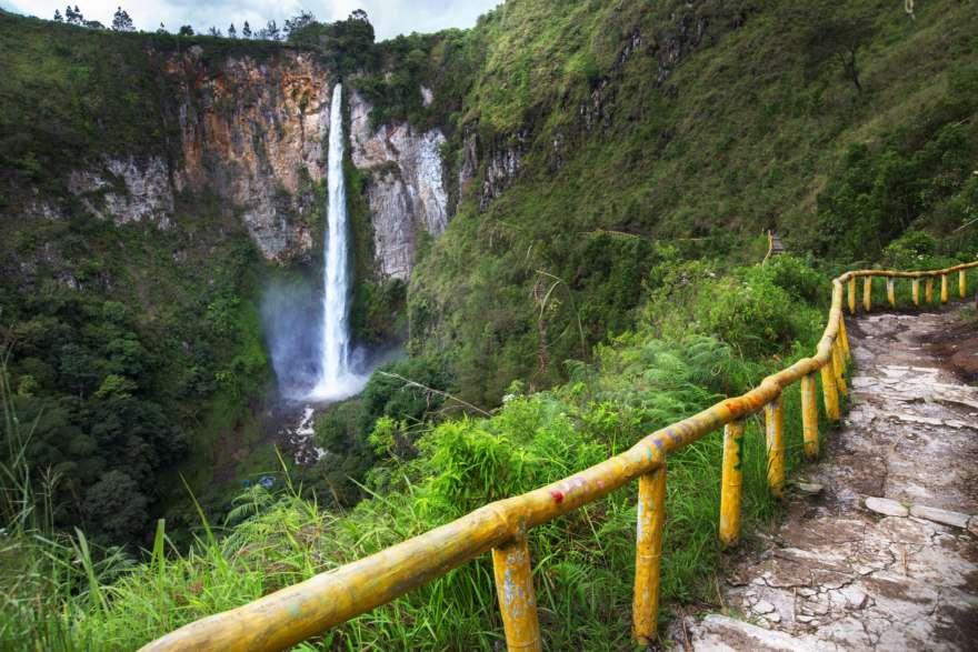 Sipisopiso Wasserfall auf Sumatra