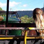 Frau in russischer Limousine
