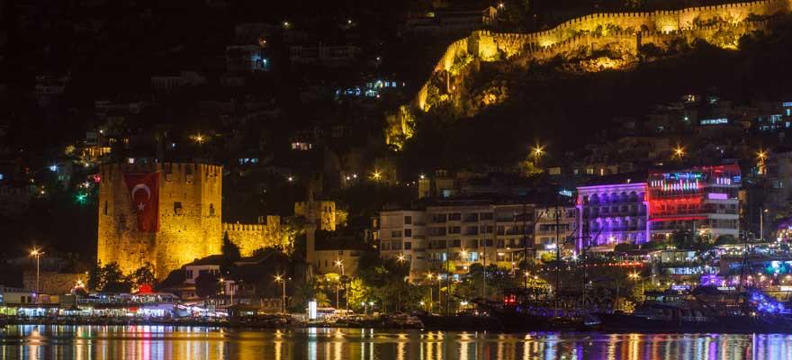 Alanya bei Nacht