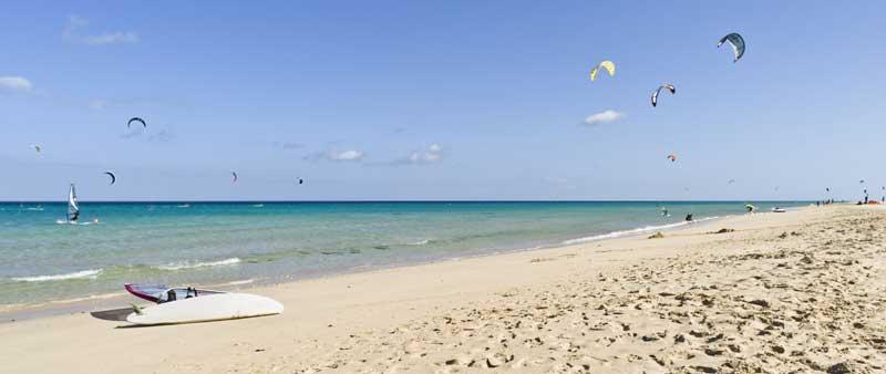 Kiten-am-Playa-de-Sotavento-auf-Fuerteventura
