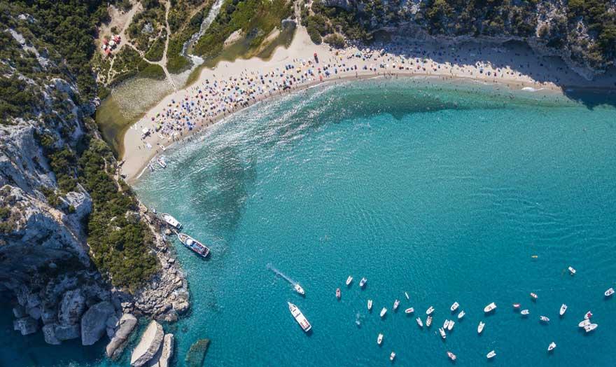 Strand Cala Luna auf Sardinien in Italien
