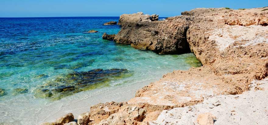 Strand Is Arutas auf Sardinien in Italien