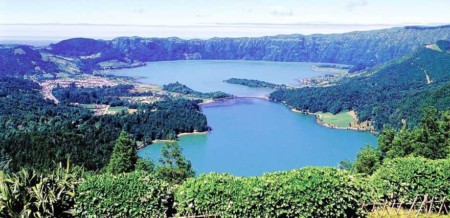 Lagoa-Verde-e-Lagoa-Azu