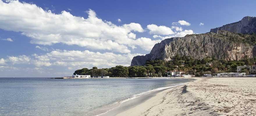 Mondello-beach