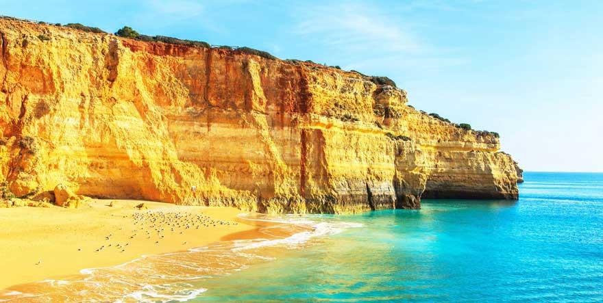Strand Praia de Benagil in Portugal