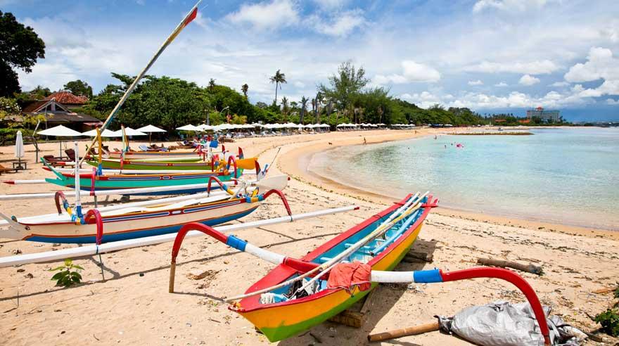 Strand Sanur Beach auf Bali in Indonesien