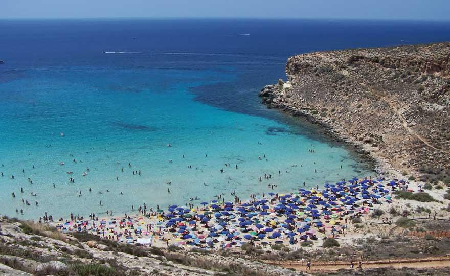 Strand Spiaggia dei Conigli auf Lampedusa in Italien