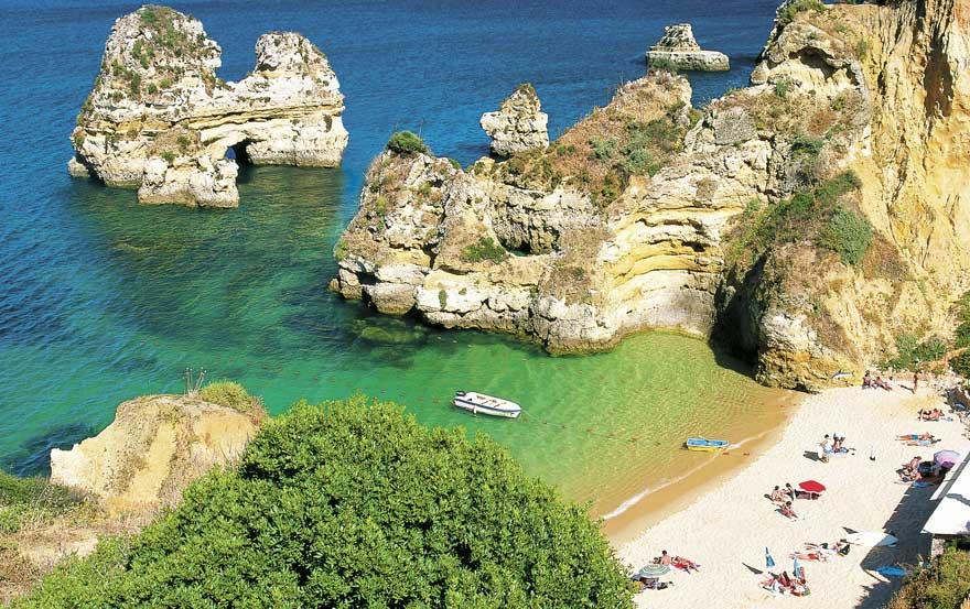 Strand-Praia-do-Camilo