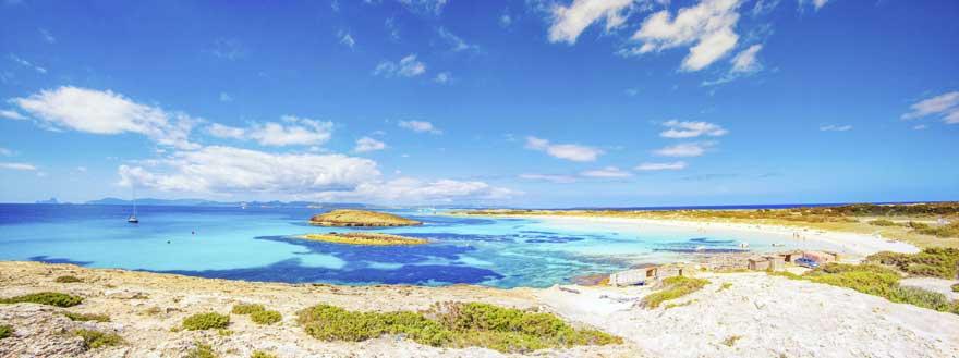 Kueste von Formentera in Spanien