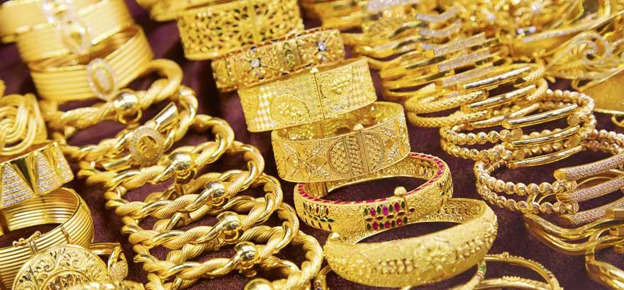 Armbaender im Goldsouk von Dubai