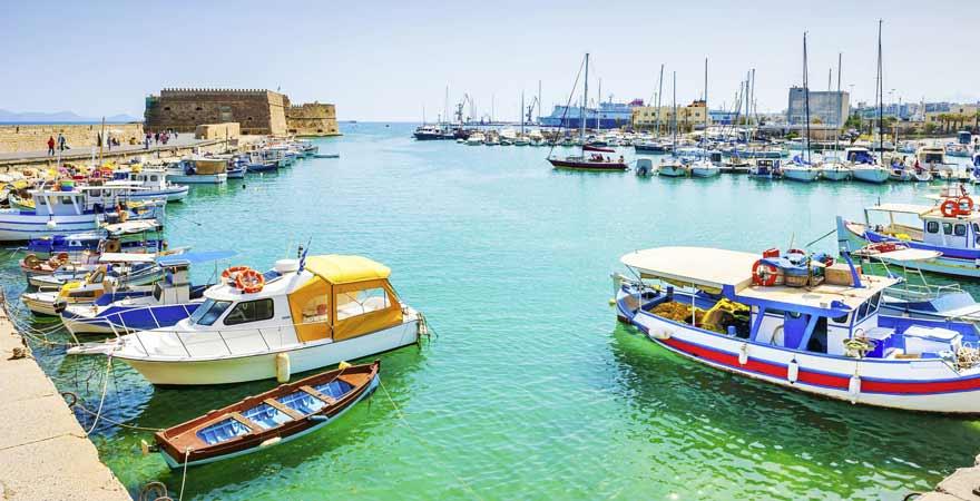 Hafen von Heraklion auf Kreta in Griechenland