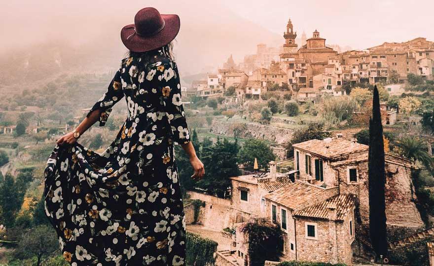 Jana in Valdemossa auf Mallorca in Spanien