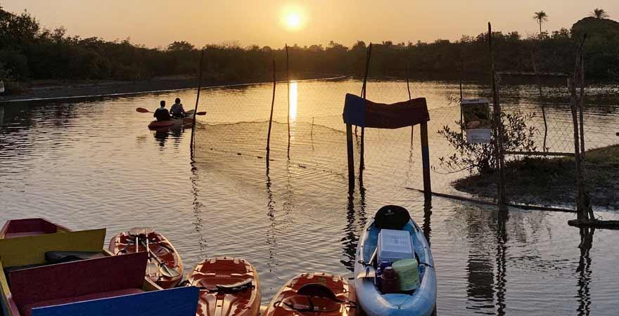 Kajak-Anlegestelle auf dem Gambia River