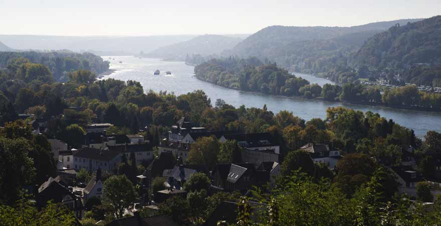 Blick vom Drachenfels auf Bad Honnef in Deutschland