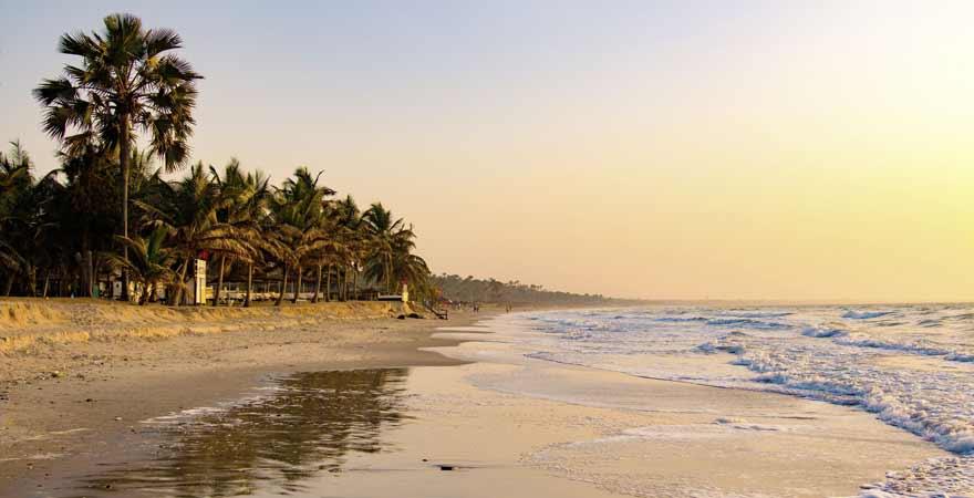 Sonnenuntergang am Strand von Gambia