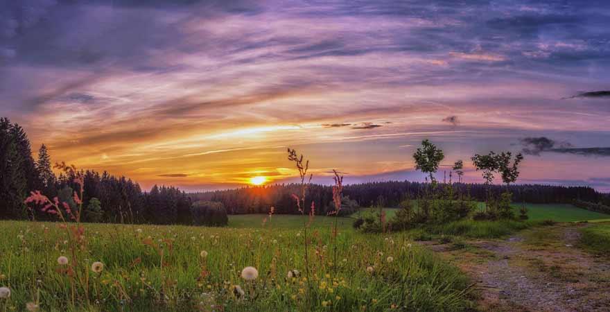 Sonnenuntergang im Erzgebirge in Deutschland
