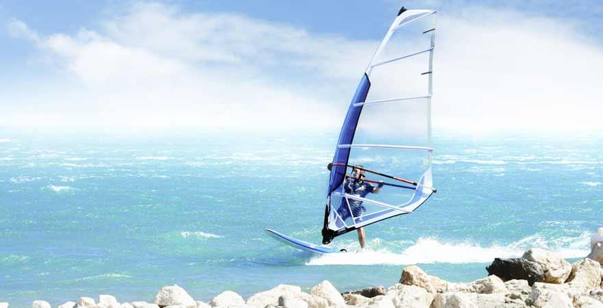 Windsurfen in Alacati in der Tuerkei