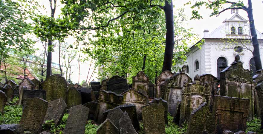 alter juedischer friedhof in prag