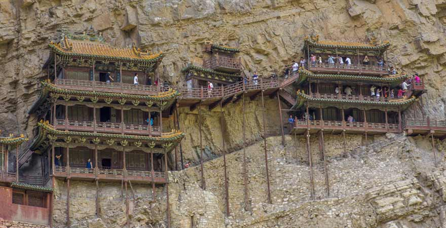 Das haengende Kloster am-Henshang Mountain bei Datong in China