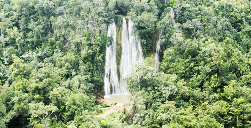 El Limon Wasserfall auf der Samana Halbinsel in der Dominikanischen Republik