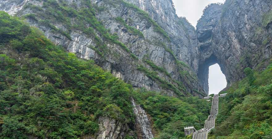 Gate to Heaven im Tianmenshan Nationalpark in China