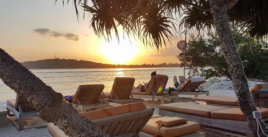 Sonnenuntergang am Strand von Gili Meno